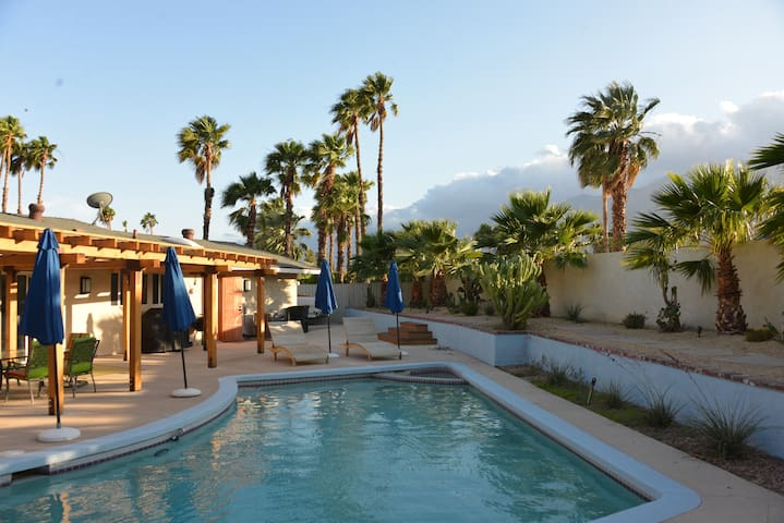 Palm Springs Zen Hideaway: RELAX!!! - Palm Springs