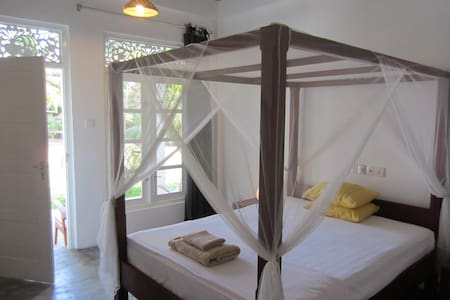 Mirissa BnB - Your hideaway in Sri Lanka room no 3 - Oda + Kahvaltı