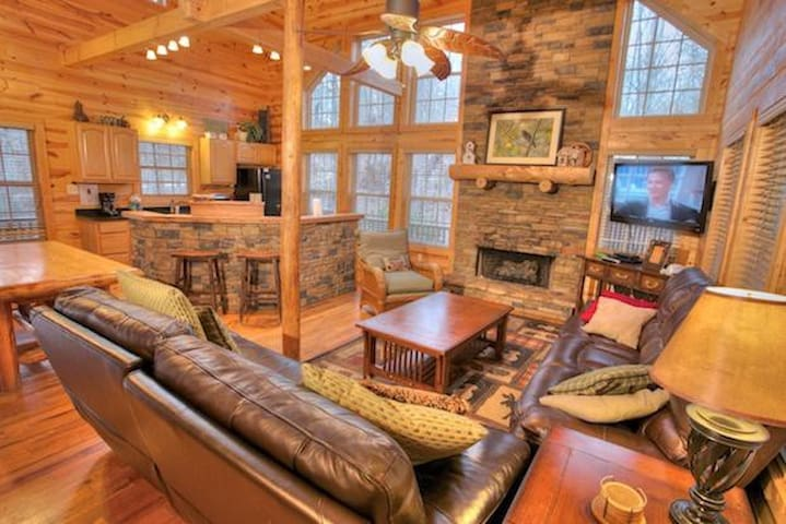 Enjoyable Family Cabin with Pool Table - Cleveland - Jiné