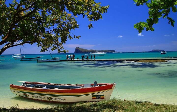 Mauritius Beach House, Pool &Garden