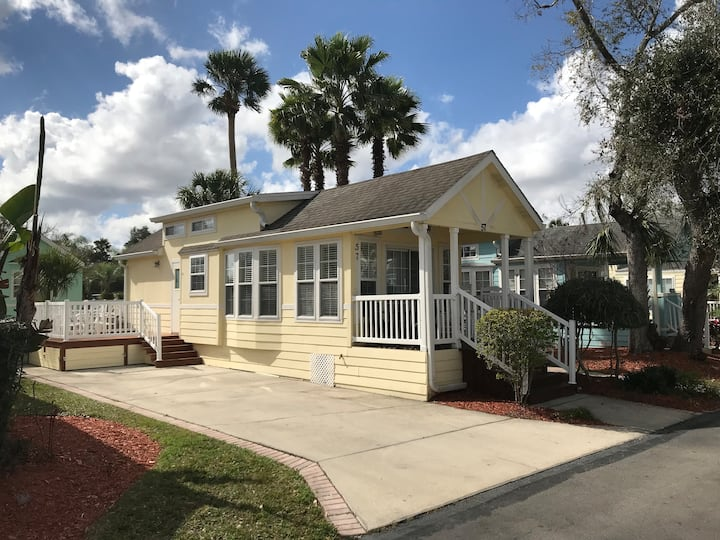 Sunny Tiny House Cottage near Disney / Celebration