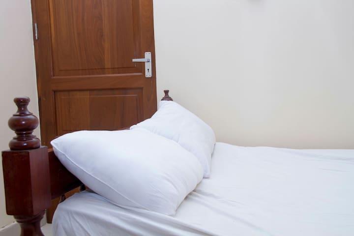 Moja   Family Room which can Sleep 3 people