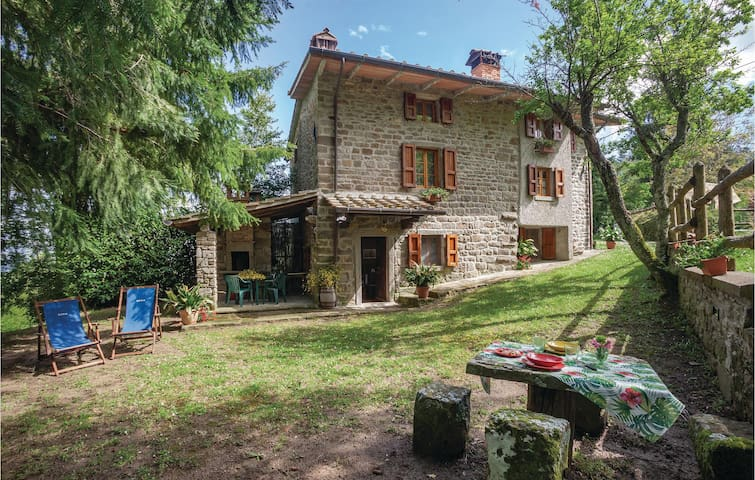 Holiday cottage with 2 bedrooms on 75m² in Castelfocognano