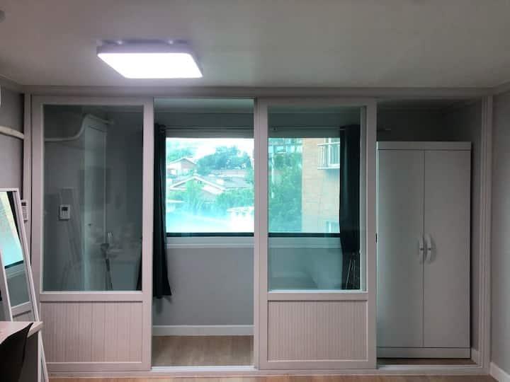 (연대점)서대문구 깔끔한 원룸형 숙소306호