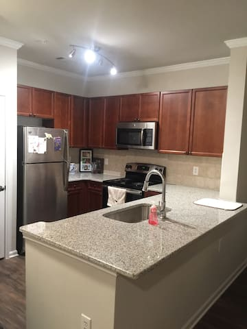 Newly Renovated Apartment Home - Suwanee - Apartament