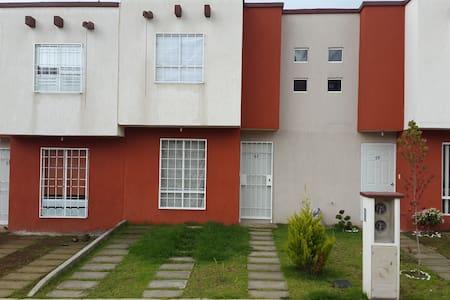 Casa Villas del Volcán, Tlalmanalco, Edo de México - Tlalmanalco - Haus