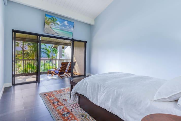 Master Bedroom & Lanai