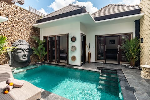 *PROMO* Quiet & Spacious Newly Renovated 3BD Villa