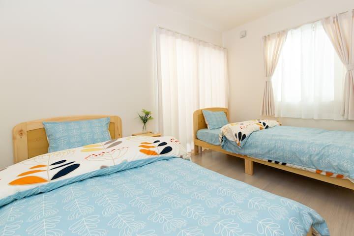 シングルベッド2台の寝室 Twin bedroom