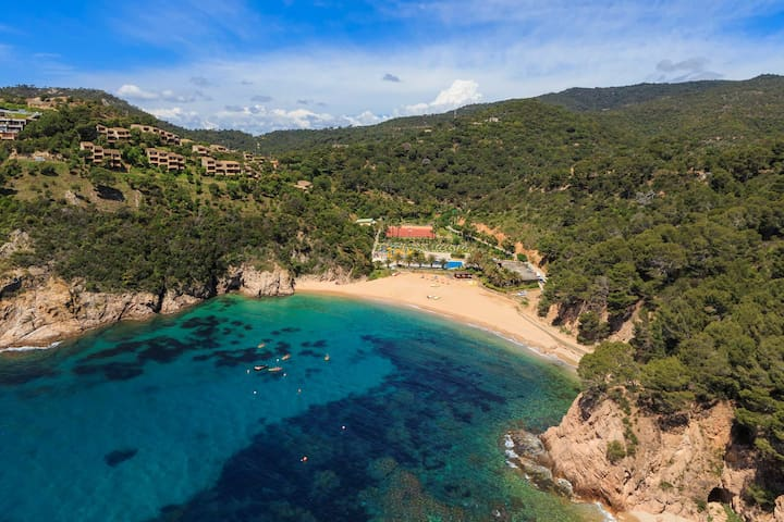 apt for 2+3 pers with pool in Tossa de Mar R80405