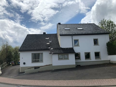 Big childfriendly holidayhome in the Eifel(27Pers)