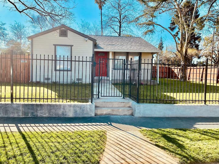 Little Casita close to downtown and Sac airport