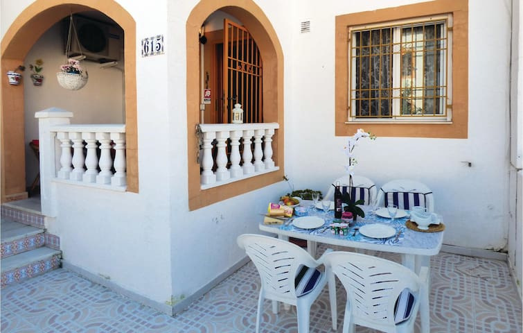 Terraced house with 2 bedrooms on 50m² in Torrevieja