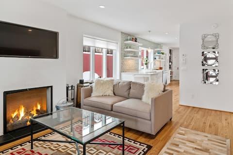 Casa Rojo -  Sleek and Comfortable, Blocks From The Plaza