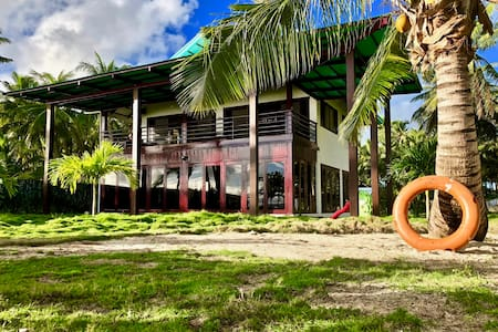 10 PERSONS/ OCEAN FRONT Family/Group Villa