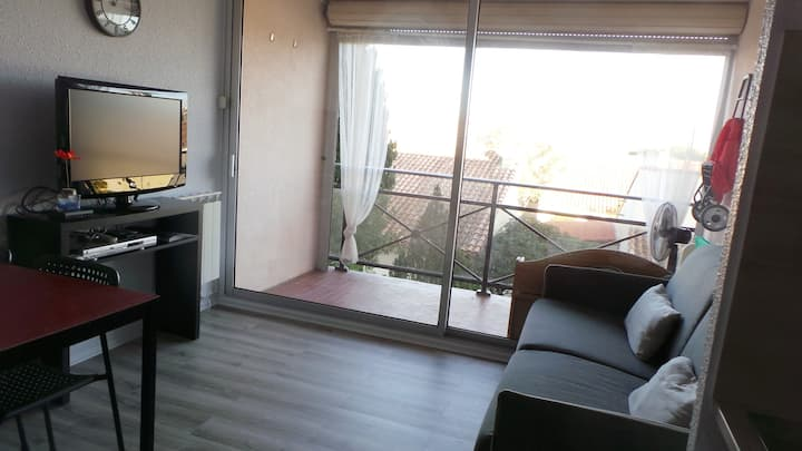 Studio 4P tout confort,terrasse, plage 400M