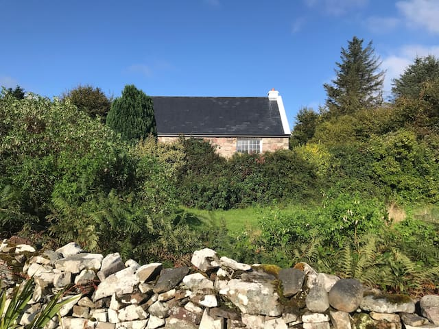 Carraigin Ban Cottage, Tourmakeady