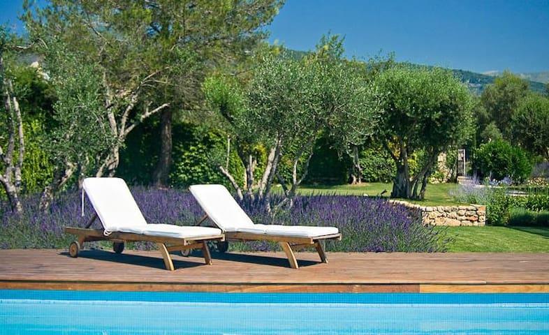 Vacances en France? Villa Côte d'Azur. 11 pers.