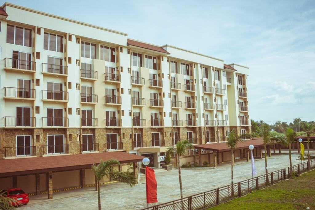 HI Residence Condominiums Tower 1