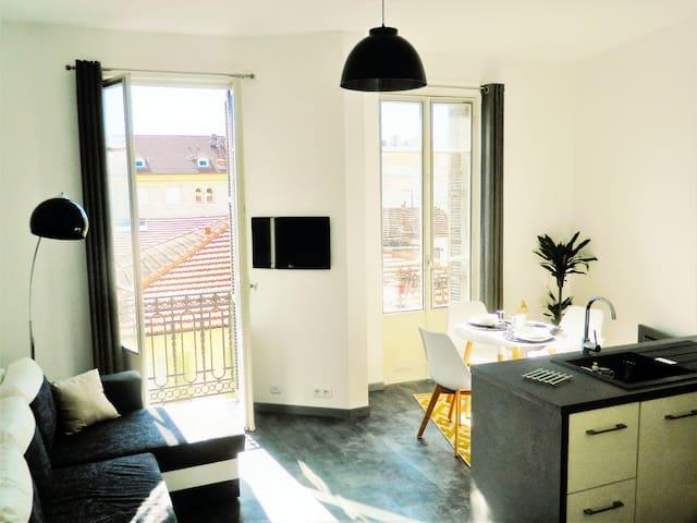 """Petit  NICOIS 300metres de la """"prom"""" - Nice - Appartement"""