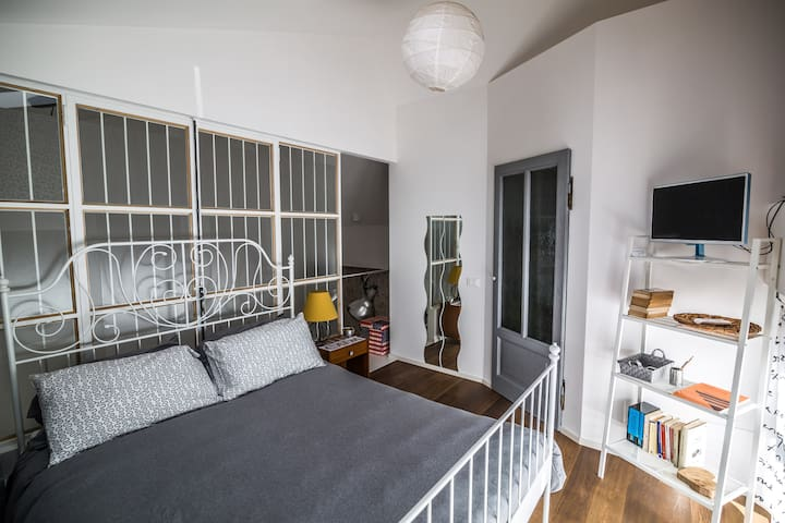 B&B magazzino bianchi 1 - Bed and breakfasts for Rent in Brescia ...