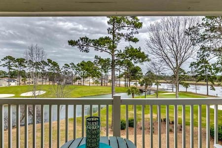 Peaceful Condo Amazing Waterway & Golf Course View