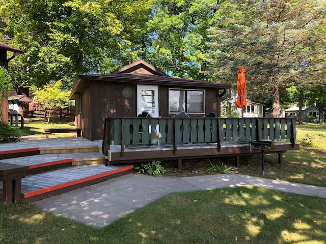 Where the Glen Lakes meet: Hill Haven Cabin 4