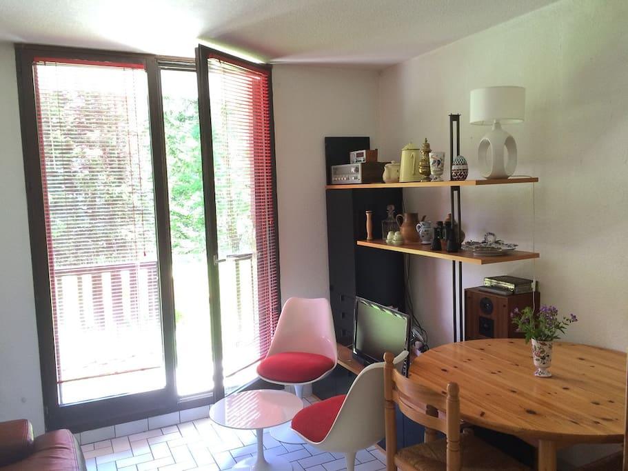 Studio équipé sur rez-de-jardin