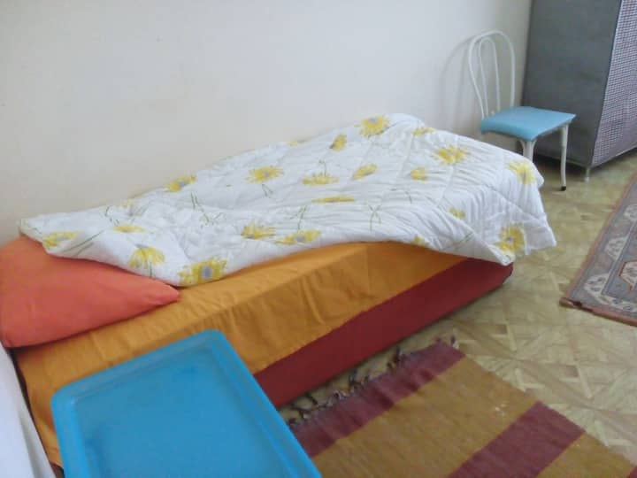 A friendly and cheap room in KECIOREN/ETLIK