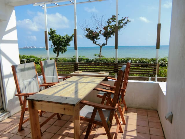 Beachfront 100sqm/3LLDK Home - 1 min to beach