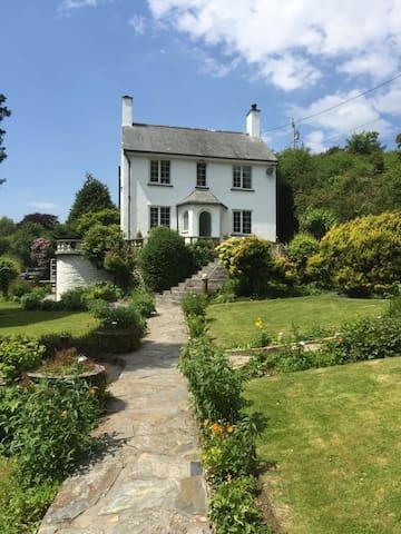 Charming Cottage Nr Porthmadog - Porthmadog