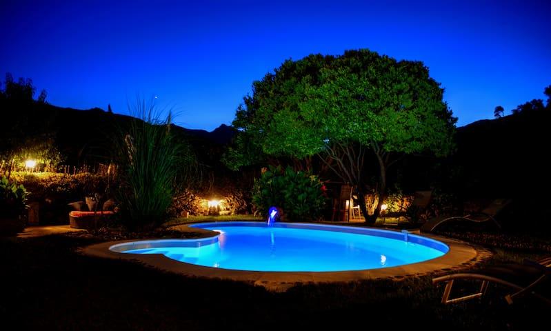 charmant t2 dans villa avec piscine
