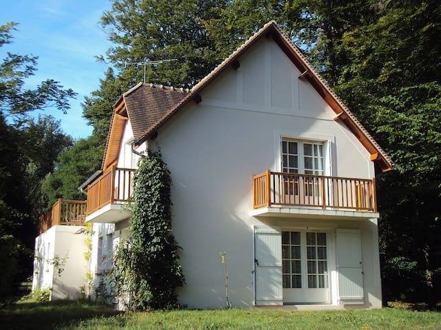Maison des Bois: Studio 5 - Bois-le-Roi - Apartment