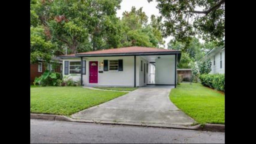 Cozy living, walkable & historic! *Entire House* - Jacksonville - House
