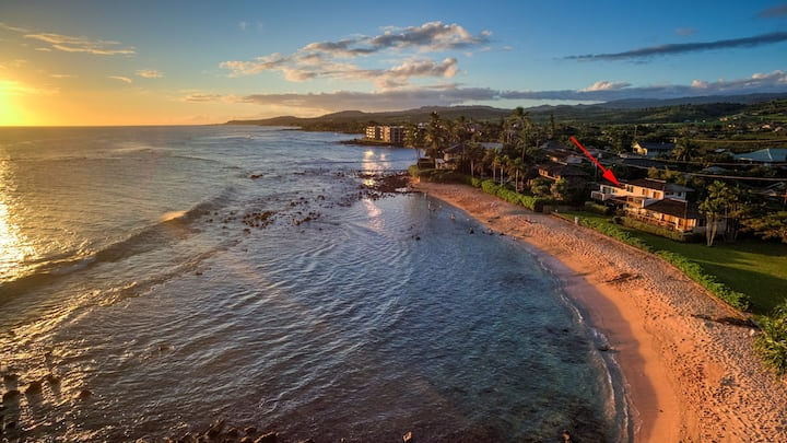 Hale Ohe - Best Value Beachfront Home Steps from Beach
