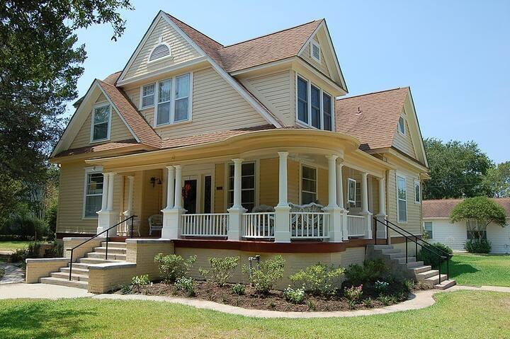 The Clary House B&B