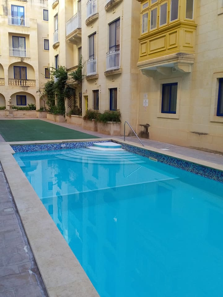 Gozo, 2 bedroom apartment with  communal pool