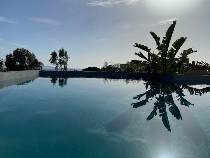 Villa Le Loft- private pool sea view- 12 peoples