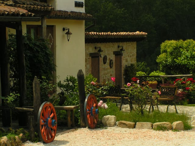 "Caselunghe Country House ""4 Family"" - Province of Macerata - Bed & Breakfast"
