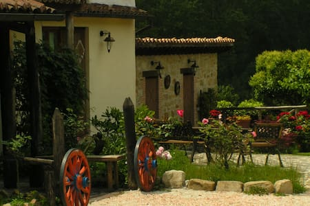 """Caselunghe Country House """"4 Family"""" - Province of Macerata - Bed & Breakfast"""
