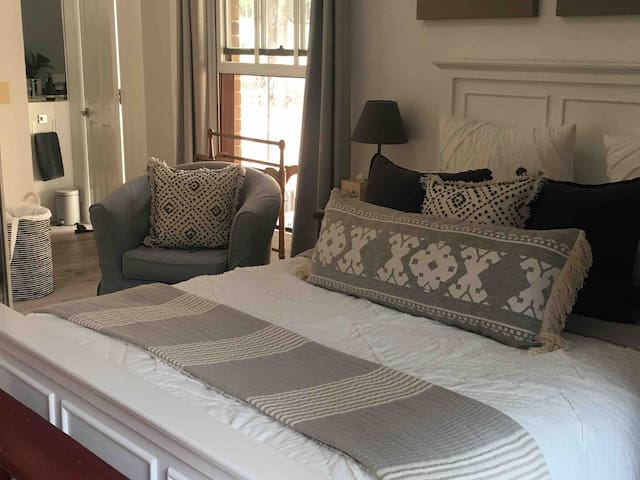 Top quality bed linen to ensure a comfortable night.