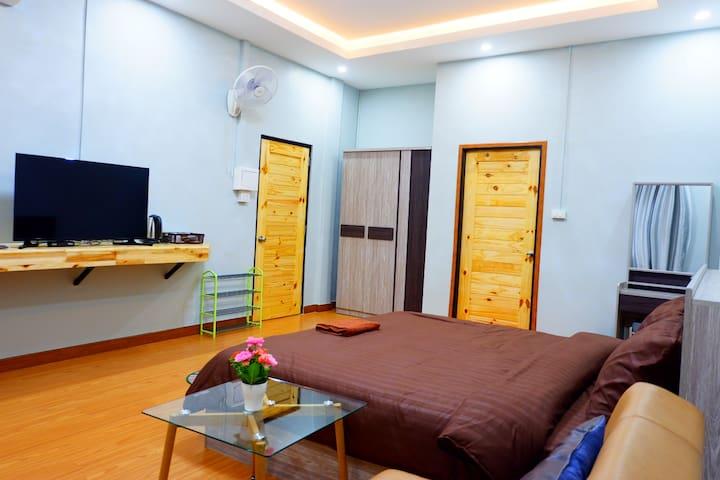 Interzone Apartment (Single bed room)
