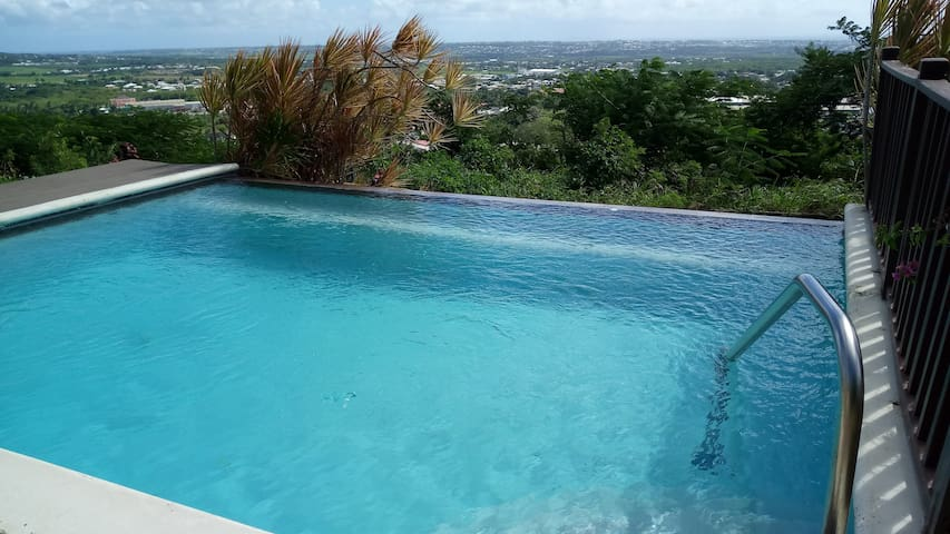 ESPERANZA-Great Views- Cool Breezes