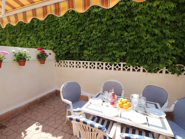 GREAT TOWNHOUSE IN SECOND LINE OF THE SEA IN SANTIAGO DE LA RIBERA FOR 6 PEOPLE