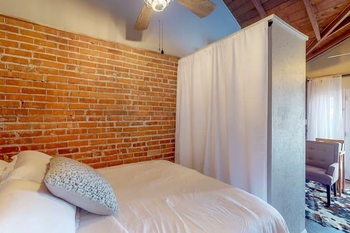 Sleeping Area & Closet