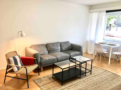 Accogliente appartamento con una camera da letto vicino al centro e all'università.