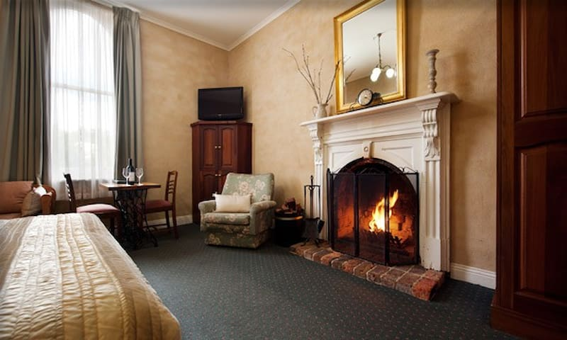 Heritage Room with Spa and Fireplace - Daylesford - Vendégház
