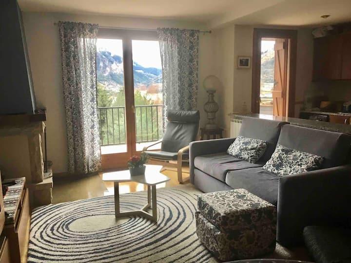Precioso piso con terraza - Sallent