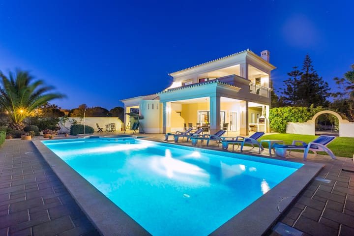 Amazing Villa with private pool and sea views