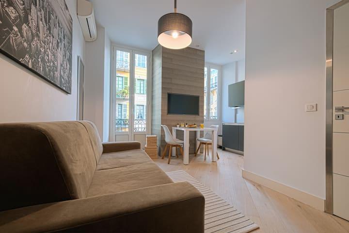 Studio Moderne et Balcon - Port - Place Garibaldi